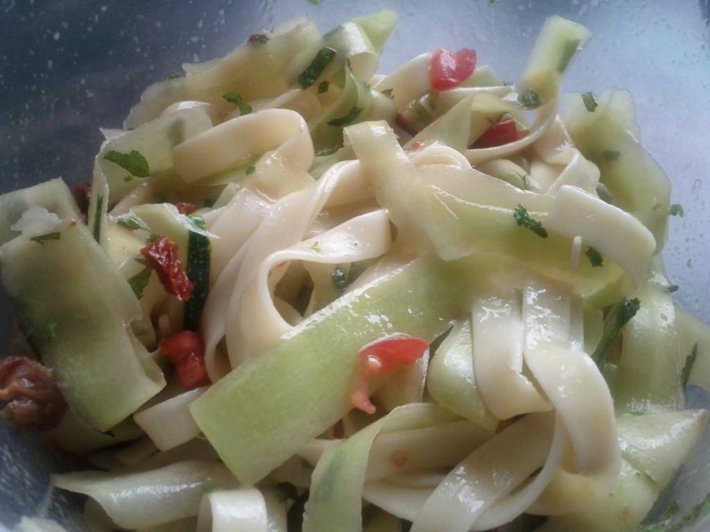 la cuisine de mamandine 187 salade de tagliatelles aux courgettes